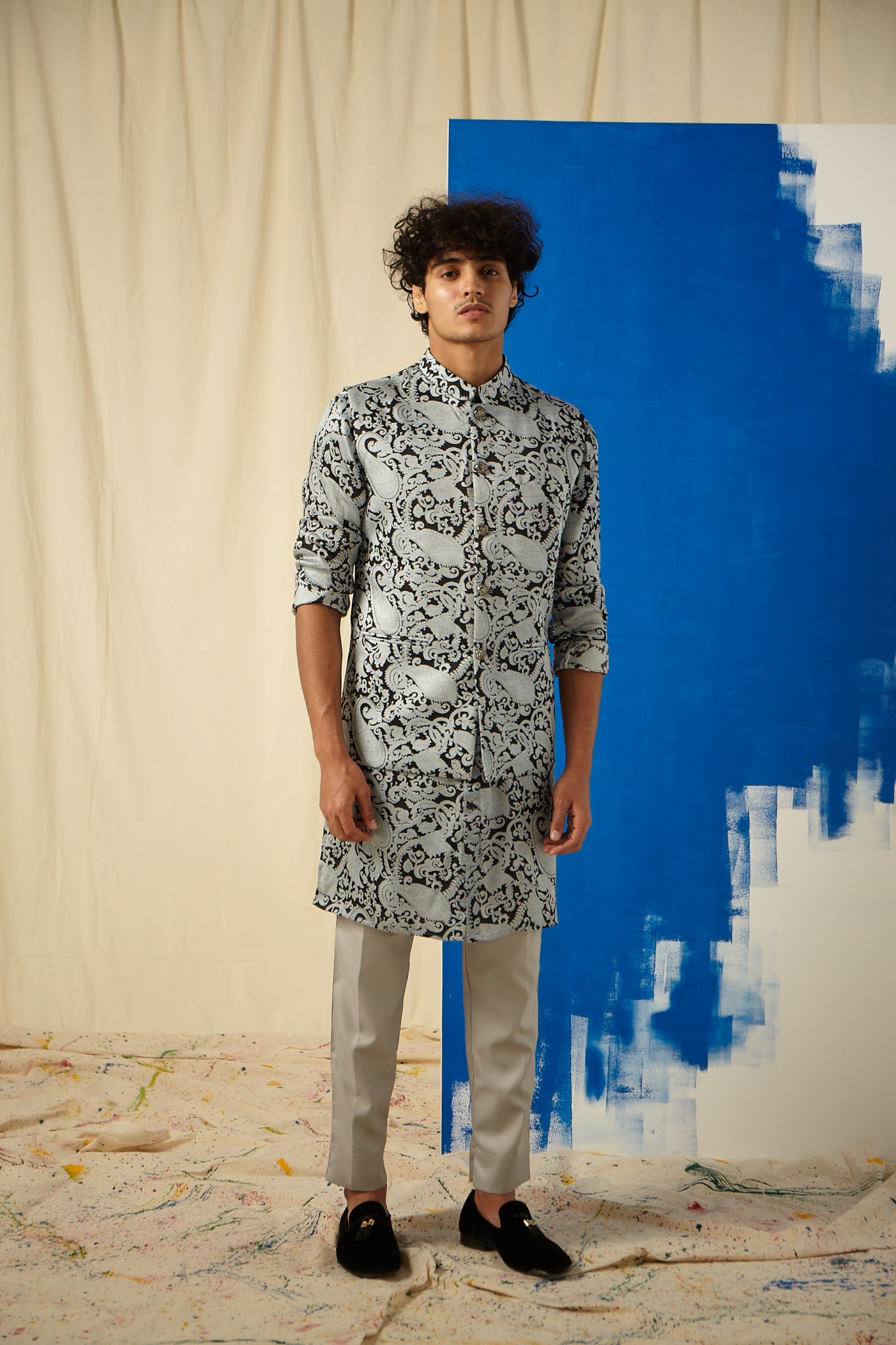 The Grey Power Paisley Cotton-Silk Kurta with Grey Pajama Set with matching Bandi