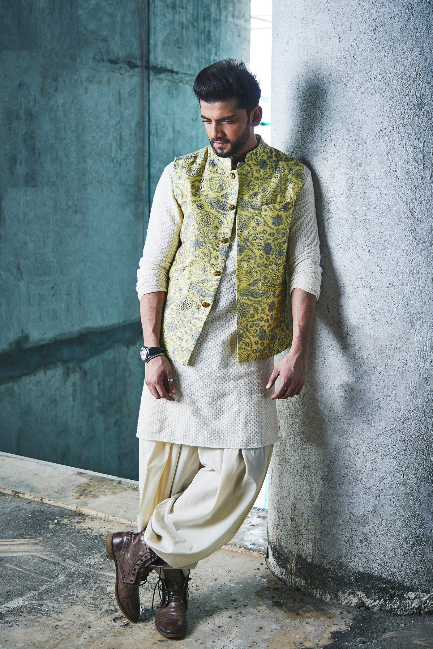 LEMON SILK CHANDERI BANDI WITH GREY THREADWORK