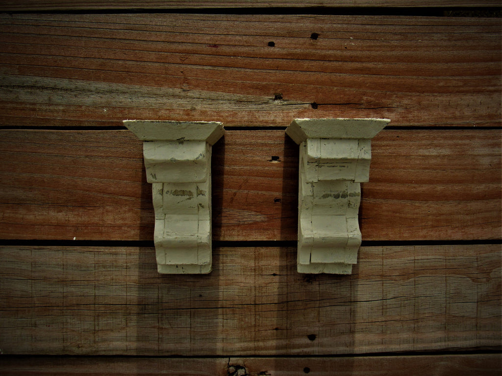 Distressed wooden shelf brace scone Antique style White Corbel Wooden shelf