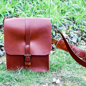 Steurer & Co. Clark Map Bag in Bourbon, Steurer, SteurerJacoby, Vintage Leather Golfbag, Satchel, Handmade Leather Bags, Leather Satchel