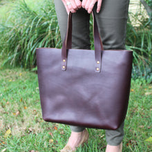 Load image into Gallery viewer, Steurer & Co., Mason Everyday Tote, Steurer, SteurerJacoby, Vintage Leather Golfbag, Totes, Handmade Leather Tote, Leather Tote