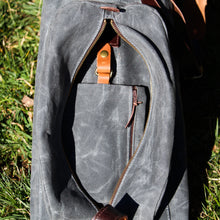 Load image into Gallery viewer, MB Structured Waxed Duck Sunday Golf Bag