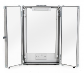 Makeup Mirror in Flight Case with Lighting and Power