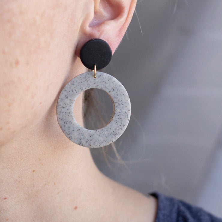 Sigfus Hoop Earrings in Grey & Black