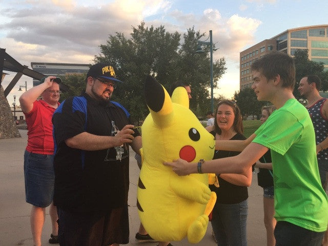Strangers Play Pokemon Go With Teen With Autism After Being Called The R-Word