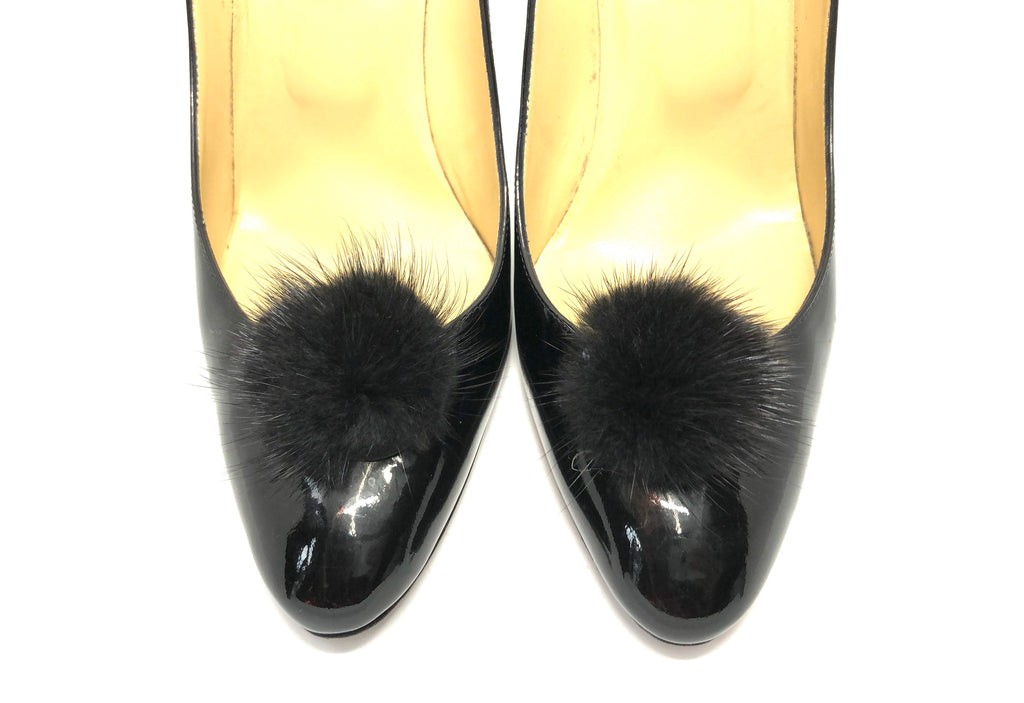 Black fur pompom shoe clip - TheShopster