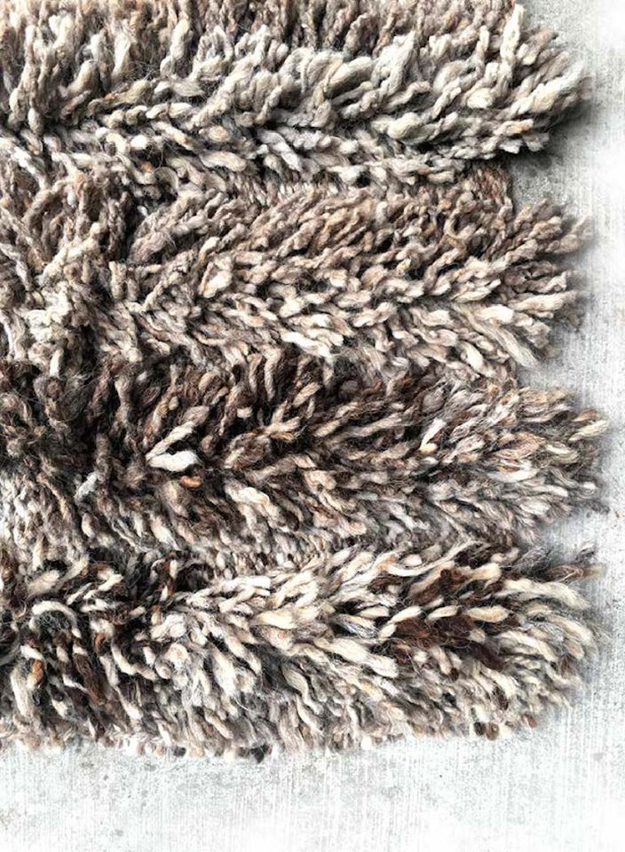 Handwoven wool shag rug grey natural blend