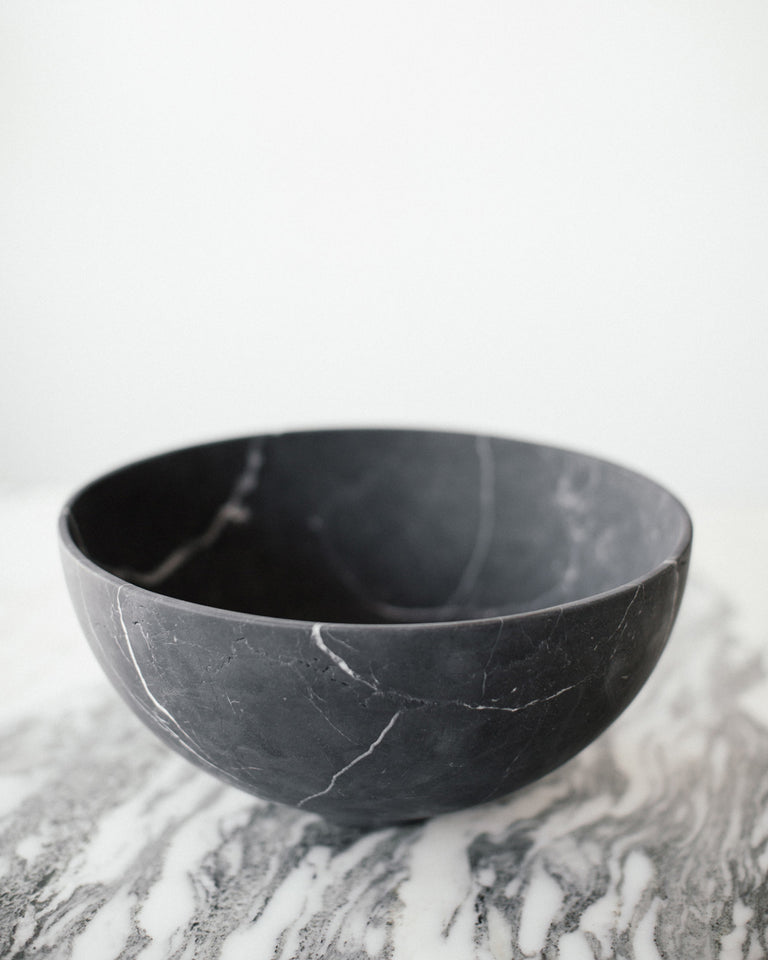 Grande Bowl in Black Marble