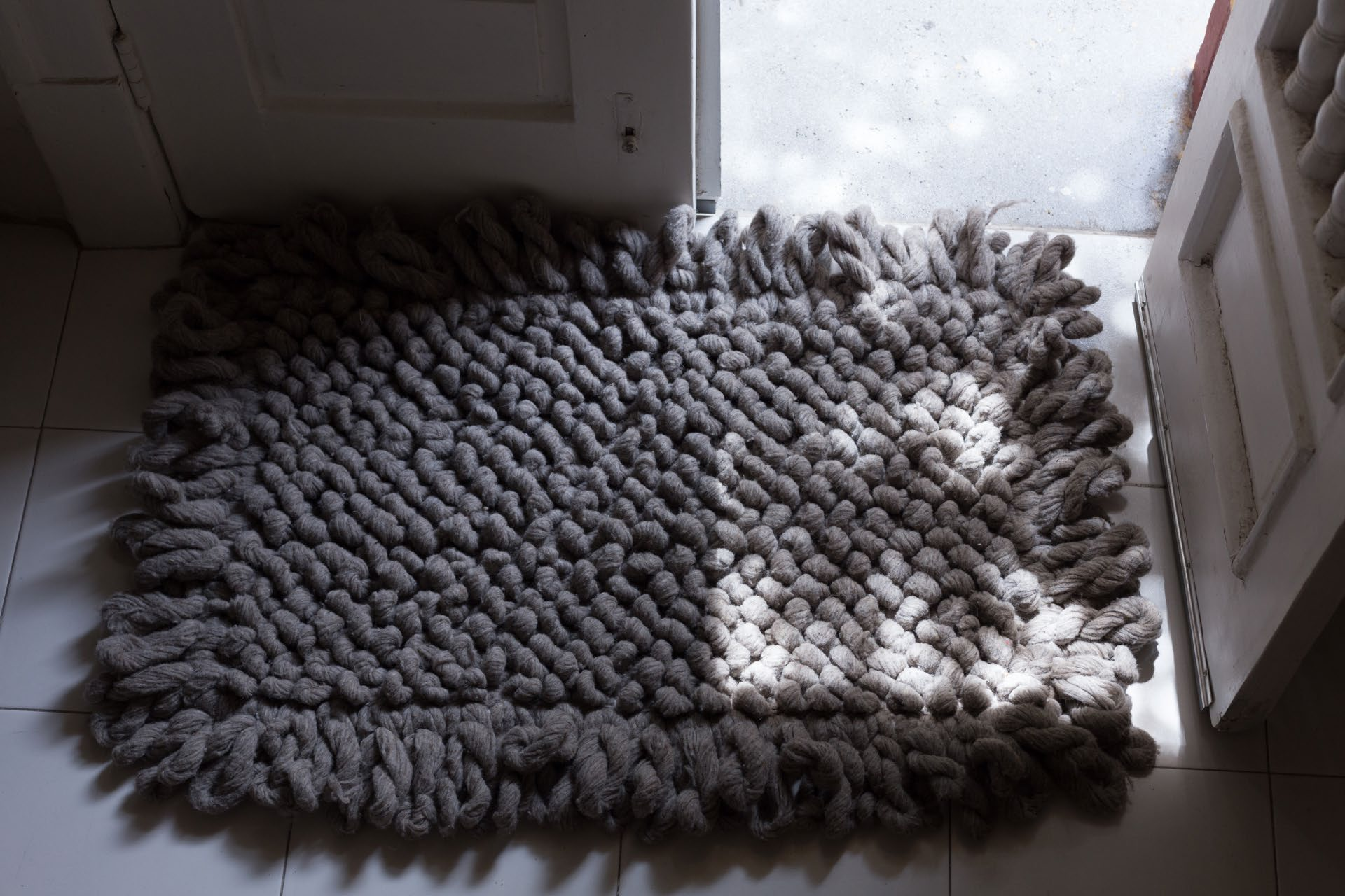 Handwoven wool rug grey with knots