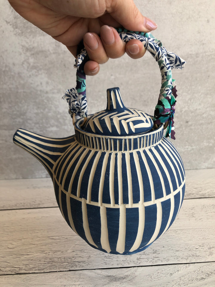 Dancing Blues Teapot