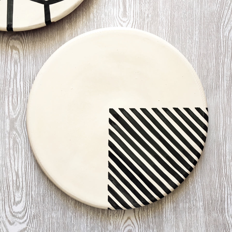 Casa Cubista Graphic Tableware- 1/4 Stripe Platter
