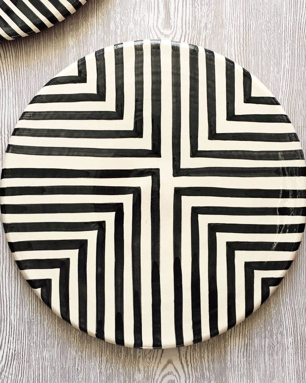 Casa Cubista Graphic Tableware- Offset Cross Platter