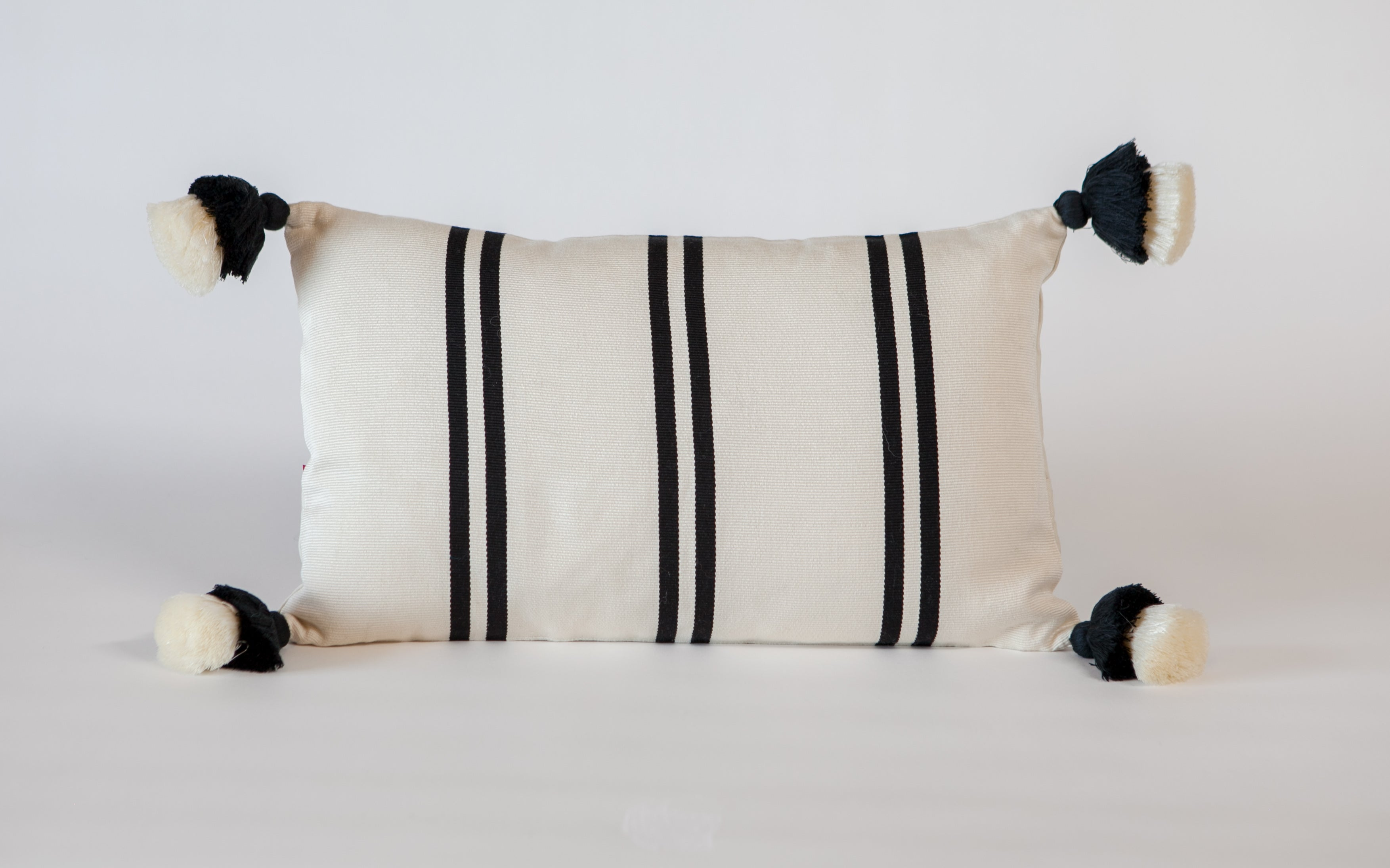 Peru Textil Thin Stripe Pillow w/double pompoms