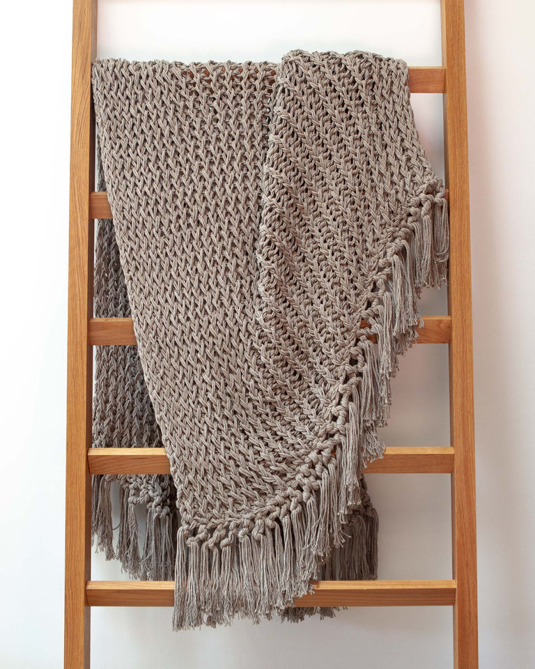 Open weave recycled cotton grey through with fringe