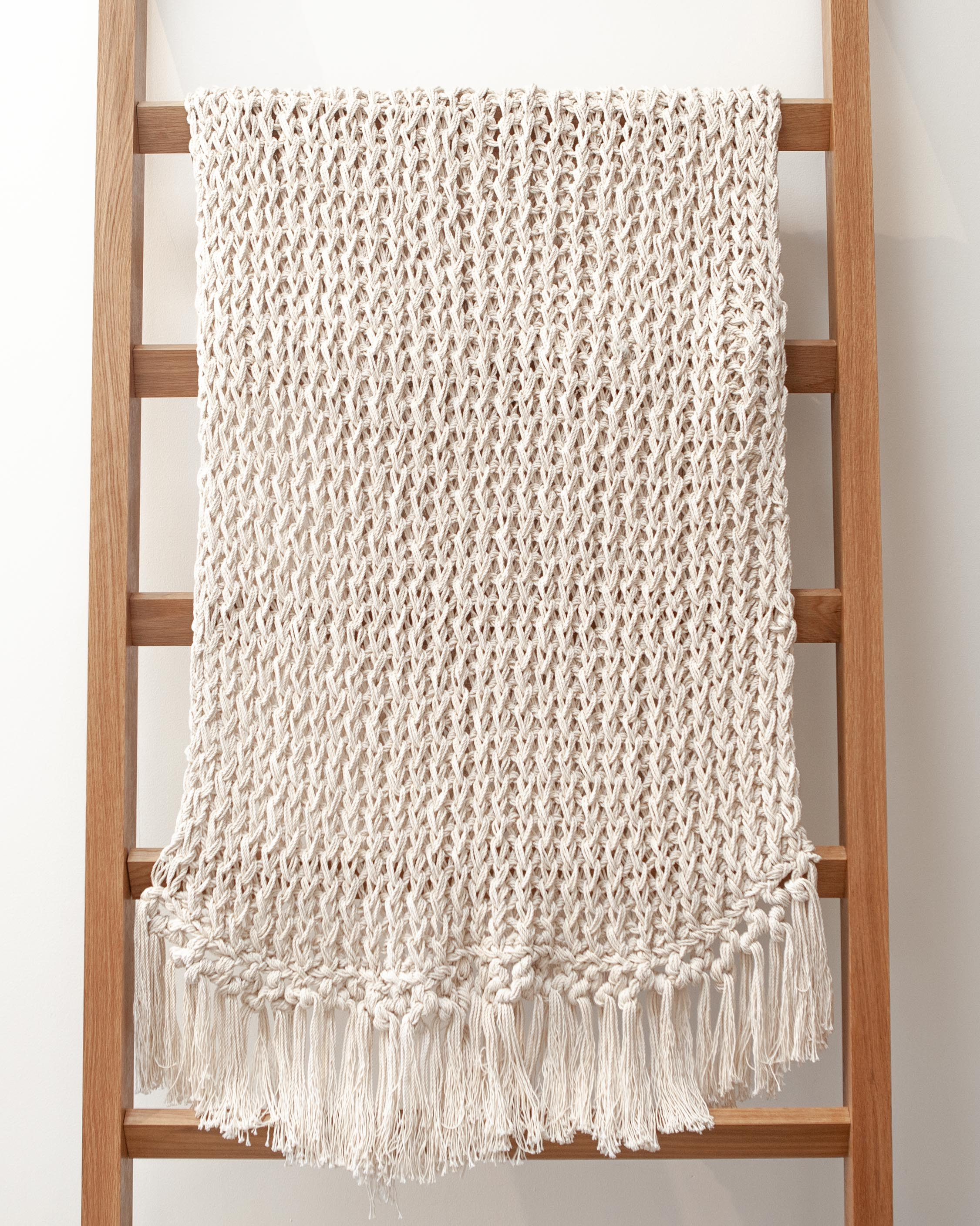 Open weave recycled cotton natural through with fringe