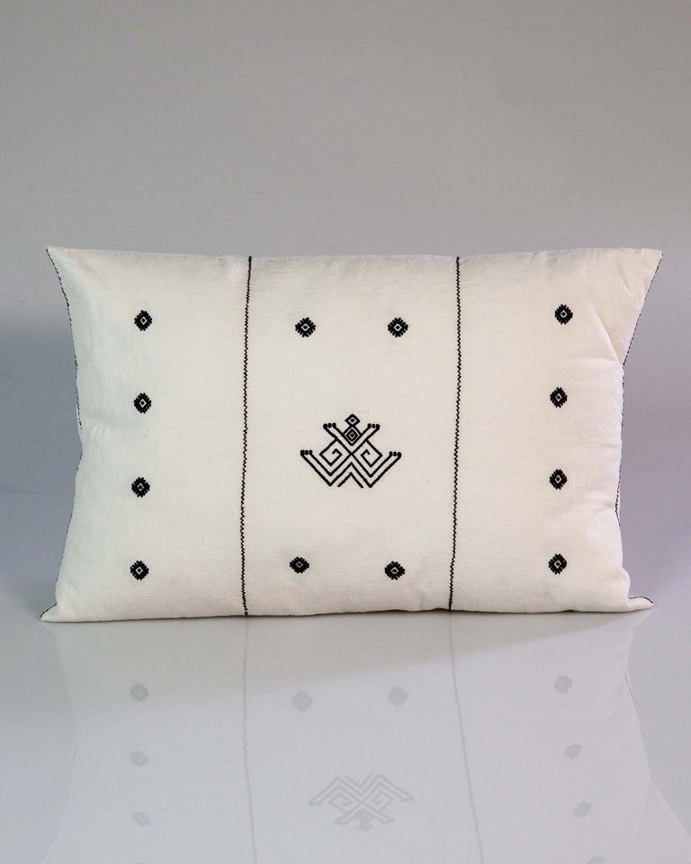 Sapo Handwoven Cotton Pillow in Black and White