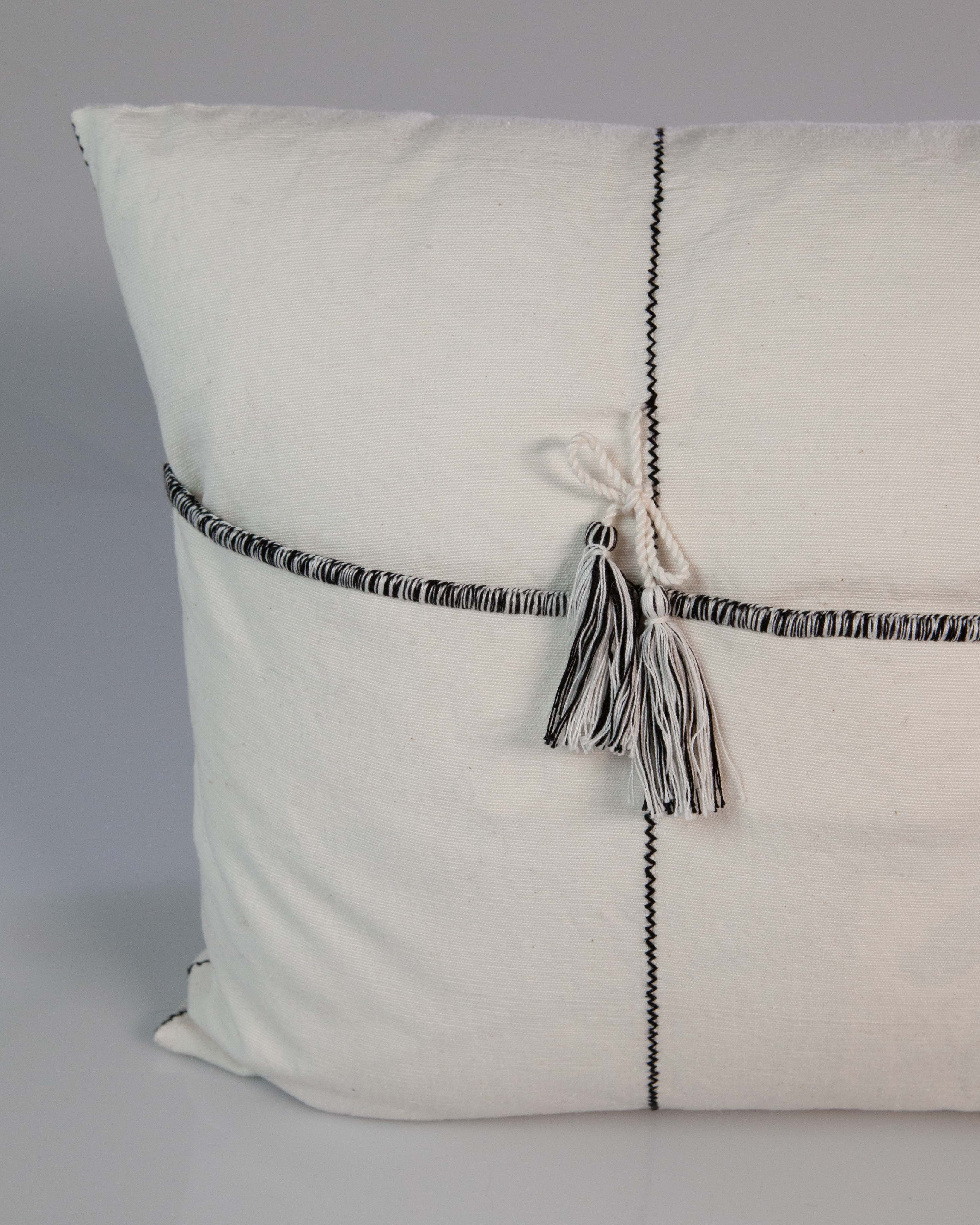 Ojo de Dios Handwoven Cotton Pillow in Black and White