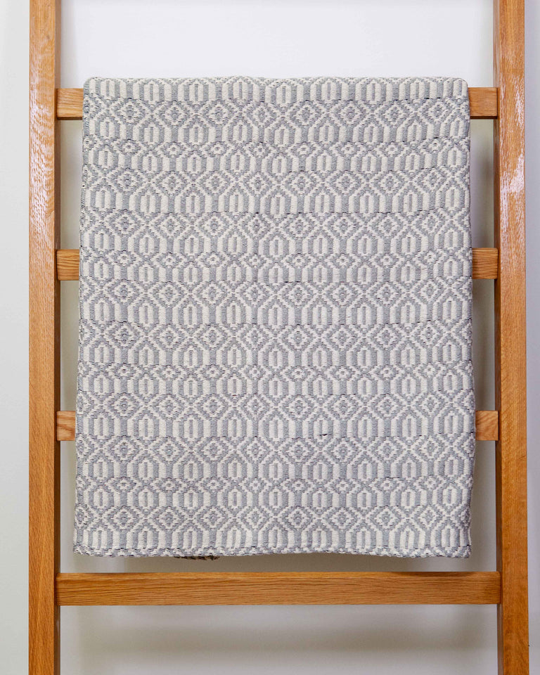Casa Cubista Tapestry Blanket - Grey & Natural