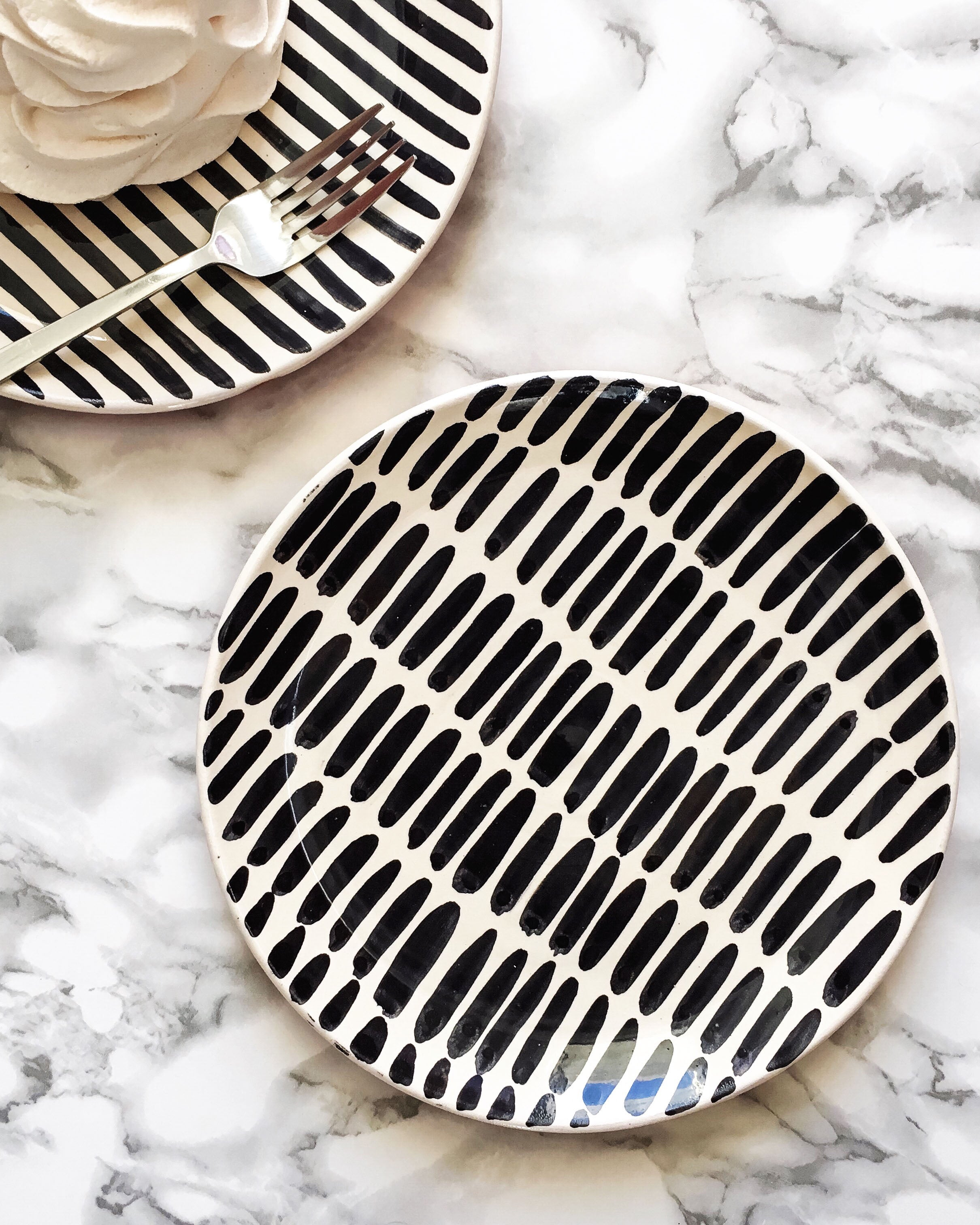 Casa Cubista Graphic Tableware - Pattern Plate- Dash