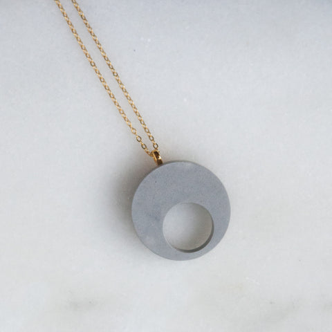 Concrete Necklace Double Circle (Gold)