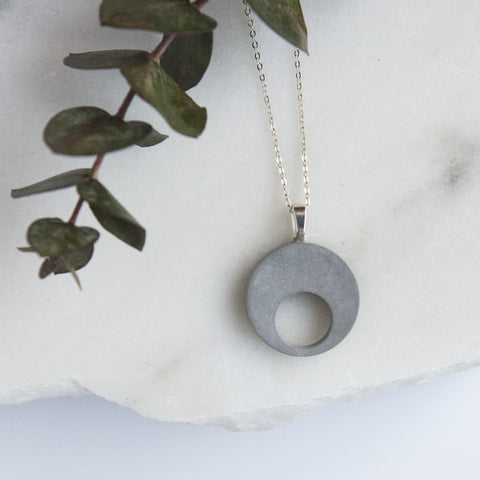 Concrete Necklace Double Circle (Silver)