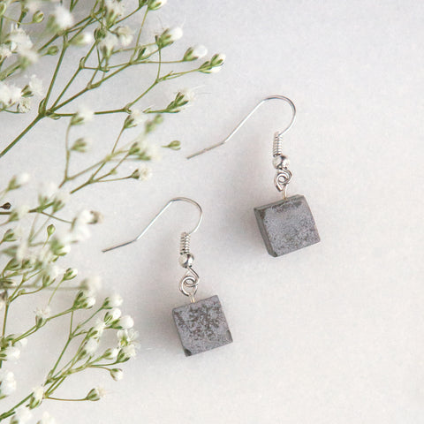 Concrete Square Earrings (Short)