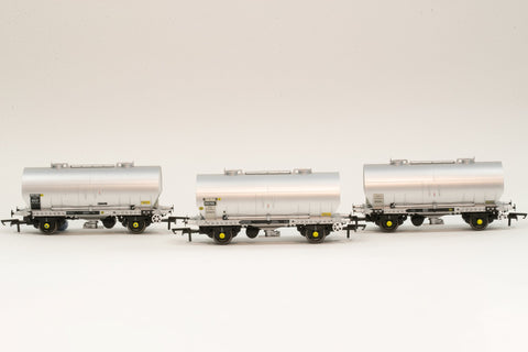 Accurascale 1065-PCV-H OO Gauge APCM Cemflo/PCV Powder Wagon Triple Pack H