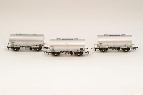 Accurascale 1066-PCV-I OO Gauge APCM Cemflo/PCV Powder Wagon Triple Pack I