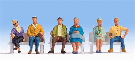 Noch 15532 HO/OO Gauge Sitting People Figures