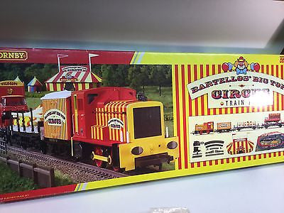 Hornby R1107 OO Gauge Bartellos' Big Top Circus Train Set