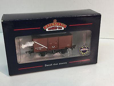 Bachmann 37-426 OO Gauge 16t Slope Side Pressed Side Door Mineral Wagon Brown