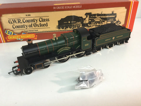 Hornby R390 OO Gauge GWR County Class 3830 County of Oxford GWR Green