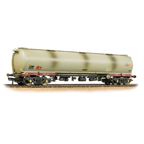 Bachmann 38-117 OO Gauge BR 102T TEA Tank Wagon BRT Weathered