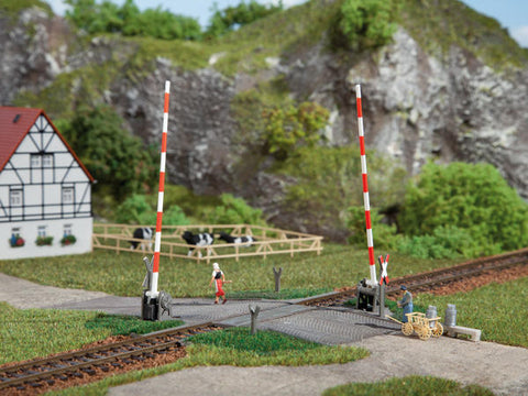 Auhagen 41604 HO Gauge Level Crossing Plastic Kit