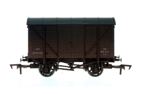 Dapol 4F-012-028 OO Gauge Ventilated Van BR Bauxite B768128 Weathered