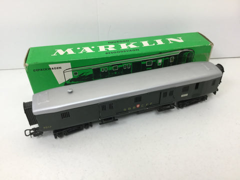 Marklin 4017 HO Gauge SBB Luggage Coach (L1)