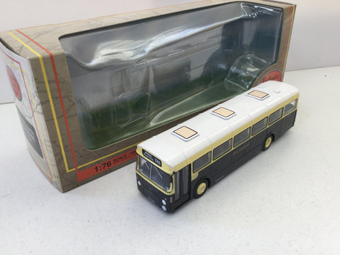 EFE 35206 1:76 Scale AEC Reliance Bus East Yorkshire