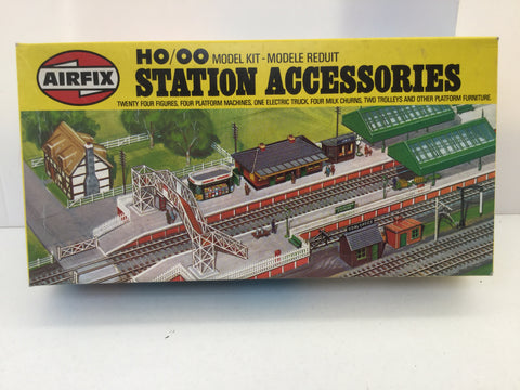 Airfix 03608-7 OO/HO Gauge Station Accessories Kit
