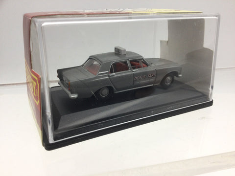 Hornby R7021 1:76/OO Gauge Ford Zephyr Don's Taxi