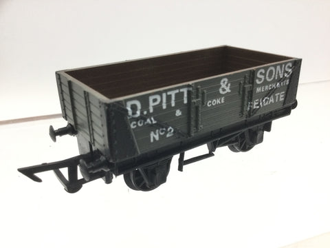 Graham Farish 12011 OO Gauge 5 Plank Wagon D.Pitt & Sons
