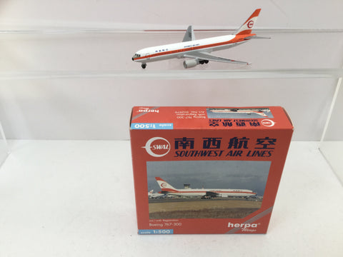 Herpa 502979 1:500 Scale Diecast Boeing 767-300 Southwest Airlines