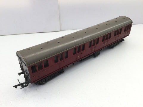 "Triang R121 OO Gauge BR 9"" Suburban Composite M41006"
