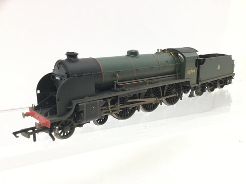 Hornby R2621 OO Gauge BR Green N15 Class 30799 Sir Ironside Weathered (L2)