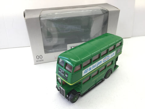 EFE E10103 OO Gauge AEC Regent Bus London Country