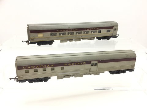 Triang R444/R446 OO Gauge Canadian Pacific Transcontinental Coaches