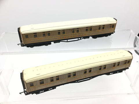 Hornby OO Gauge LNER Flying Scotsman Gresley Sleeping Car x2