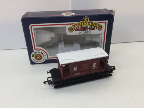 Bachmann 33-351 OO Gauge 16' 20t Brake Van N E Brown