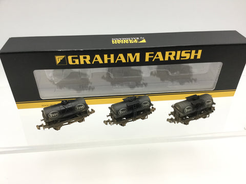 Graham Farish 373-666 N Gauge Esso 14t Tank Wagon Triple Pack (Weathered)