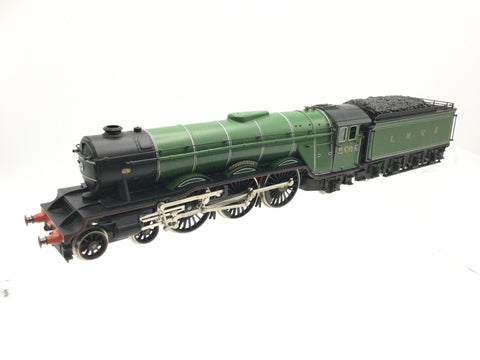 Lima 205105 OO Gauge Class 55 Deltic D9008 Green Howards