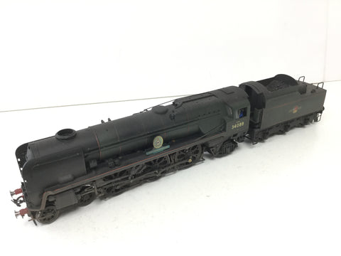 Hornby R2607 OO Gauge BR Green BB/WC 34088 213 Squadron (Pro Weathered)